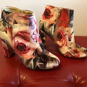 Liliana Floral Velvet Booties. Almost New!
